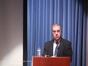 Dr Carlos Dias.